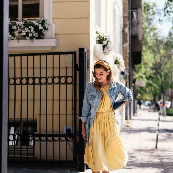 YELLOW INCREASES SEROTONIN LEVELS - Жълтият цвят ни прави щастливи