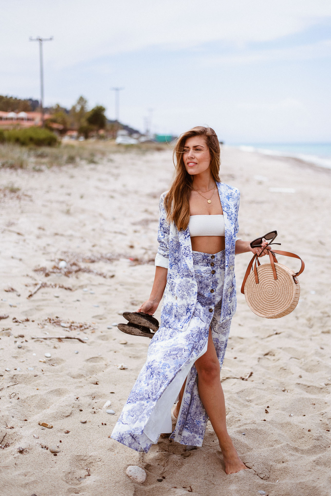 HM white and blue set for the beach