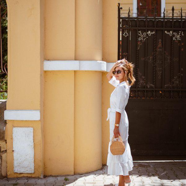Романтична рокля в бяло
